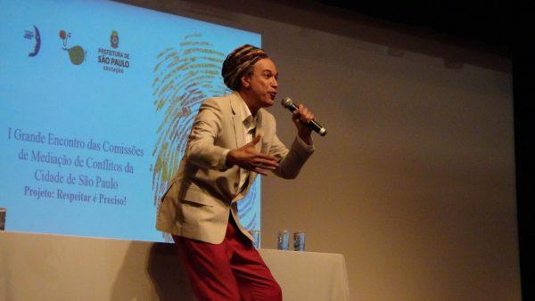 Leandro Medina, contador de histórias (Gabriel Nascimento)