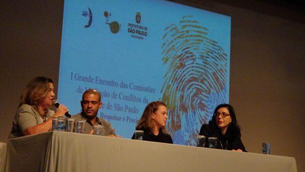 """Mesa """"Educação em Direitos Humanos, Educação Integral, o Currículo da Cidade de São Paulo e as Comissões de Mediação de Conflitos"""" (Gabriel Nascimento)"""