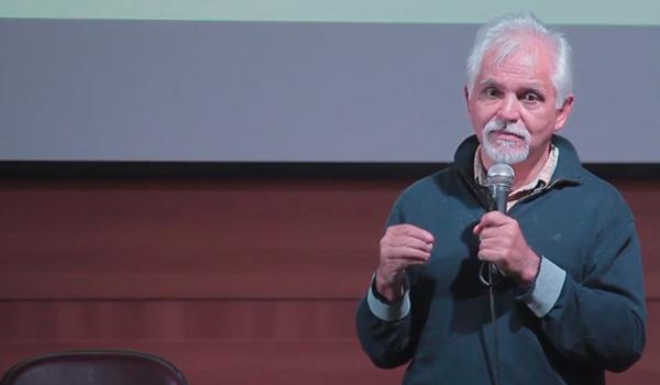 José Sérgio no auditório da UNISA, em 01/07/2017 (Foto: Alessandro Carbone)