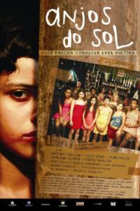 cartaz do filme anjos do sol com meninas paradas em fila com cara de tristeza